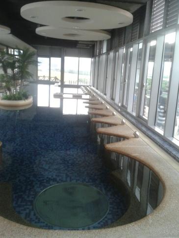 kolam santai.